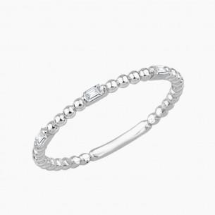 Ring aus 333er Weißgold mit 0.09 ct.